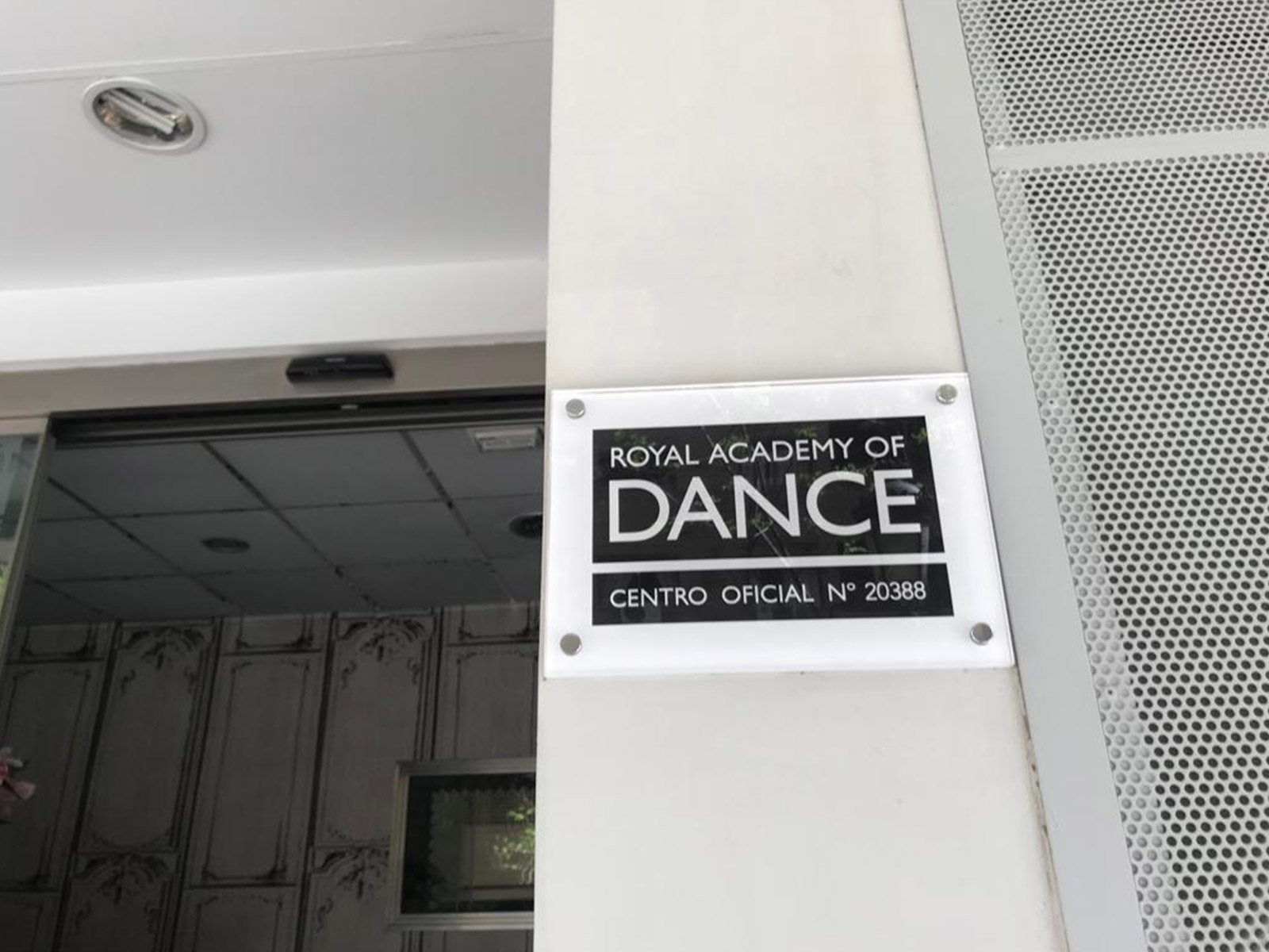 Esther Mortes - Escuela de Danza, Centro Oficial de la Royal Academy of Dance
