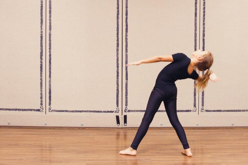 Taller de Danza Creativa – Iniciación a la Danza Contemporánea (diciembre)