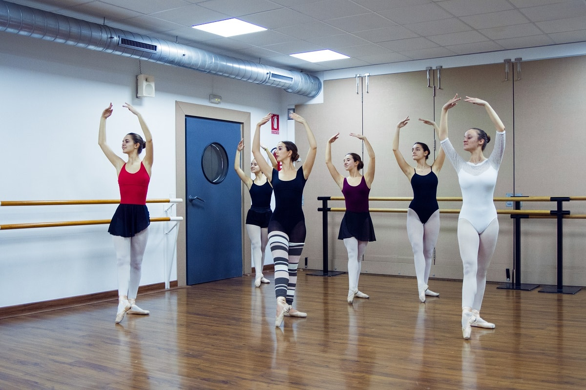 Clases online de Esther Mortes - Escuela de Danza